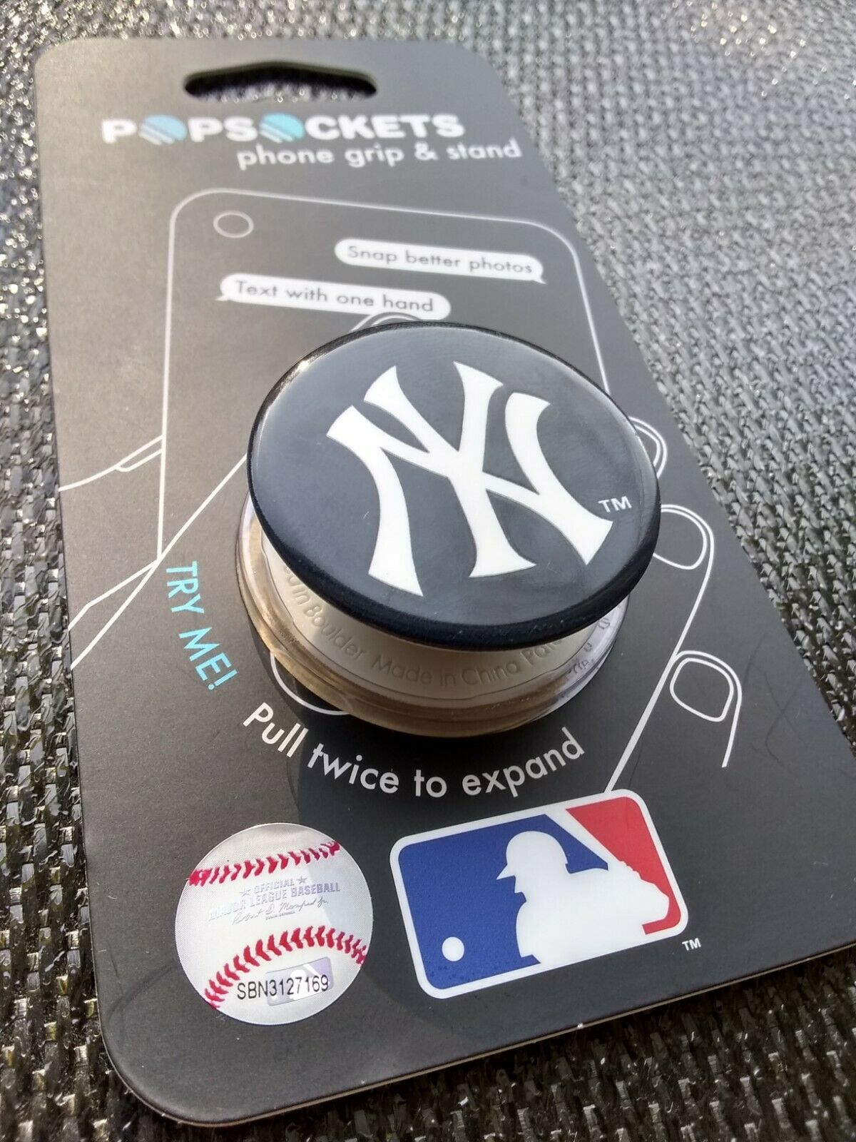 Genuine PopSockets MLB New York Yankees Baseball Authentic PopGrip Pop Socket Stand