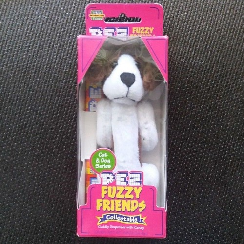 PEZ Collectible Fuzzy Friends: Barney the Beagle Brown & White Brand NEW/Sealed